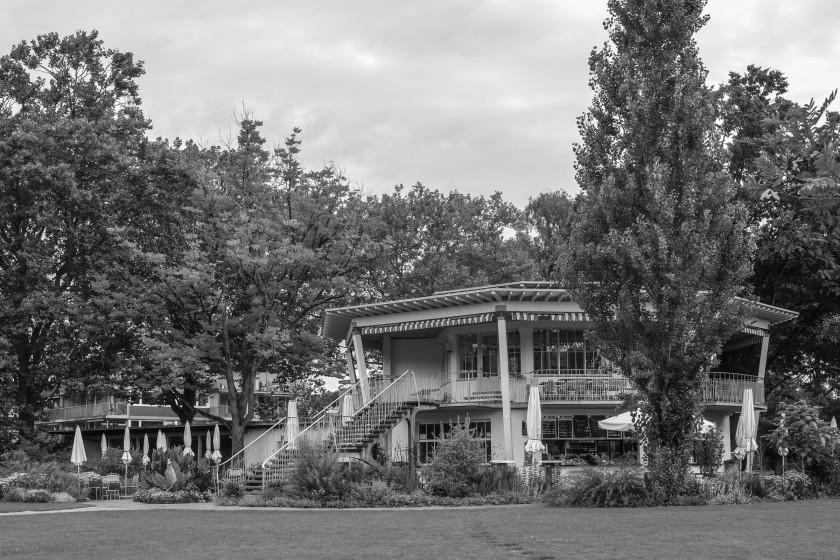Pavillon im Letzibad Zürich
