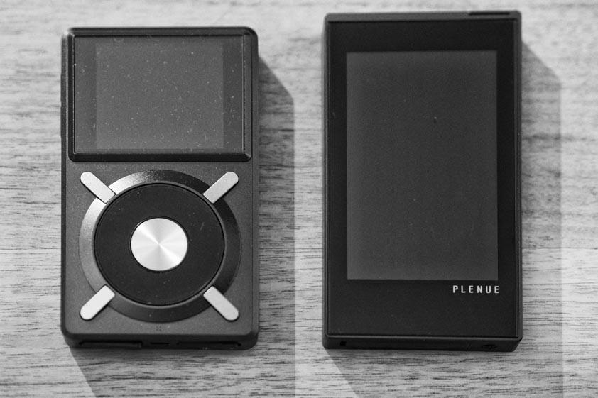 Fiio X5 (l.) und Cowon Plenue P1 (r.)
